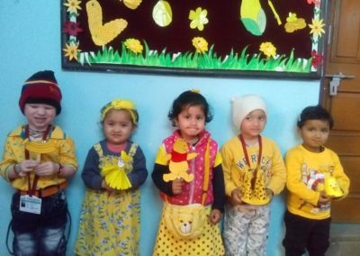 08-yellow-day-montessori
