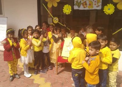 10-yellow-day-montessori