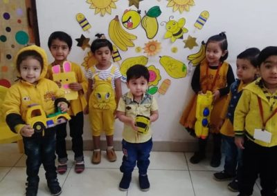 12-yellow-day-montessori